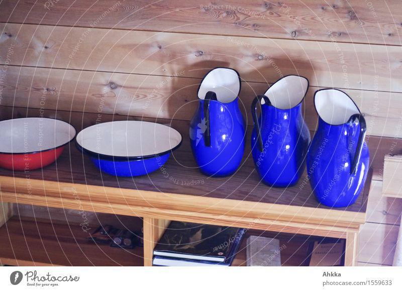 Waschstraße Schalen & Schüsseln Sauberkeit Regal Holz Kannen weich Landhaus Bauernstube blau rot außergewöhnlich markant Anhäufung offen Raum Dinge Waschen