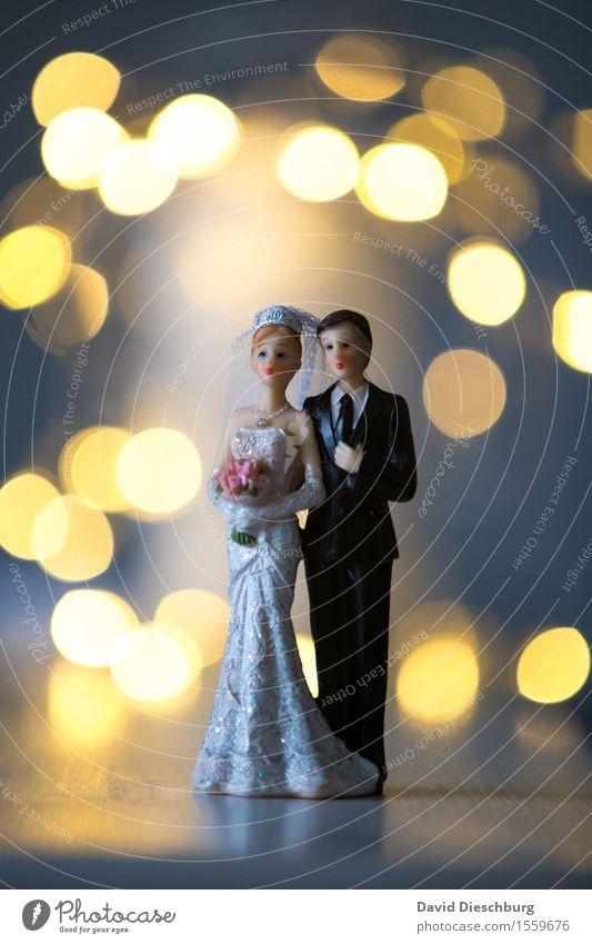 Zweisam Feste & Feiern Hochzeit Frau Erwachsene Mann Paar Partner Körper 2 Mensch Kleid Anzug Freude Glück Fröhlichkeit Zufriedenheit Lebensfreude Vertrauen