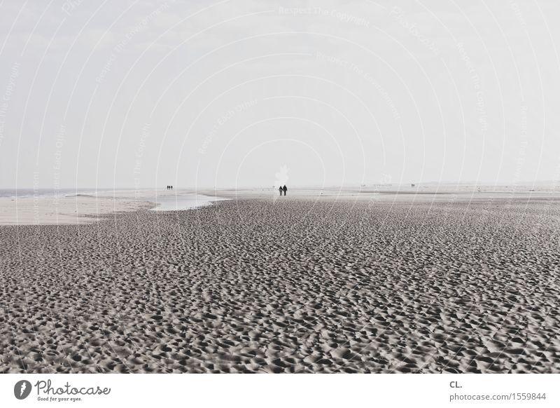 am strand Mensch Himmel Natur Ferien & Urlaub & Reisen Wasser Meer Landschaft ruhig Ferne Strand Umwelt Leben Küste Freiheit Sand gehen