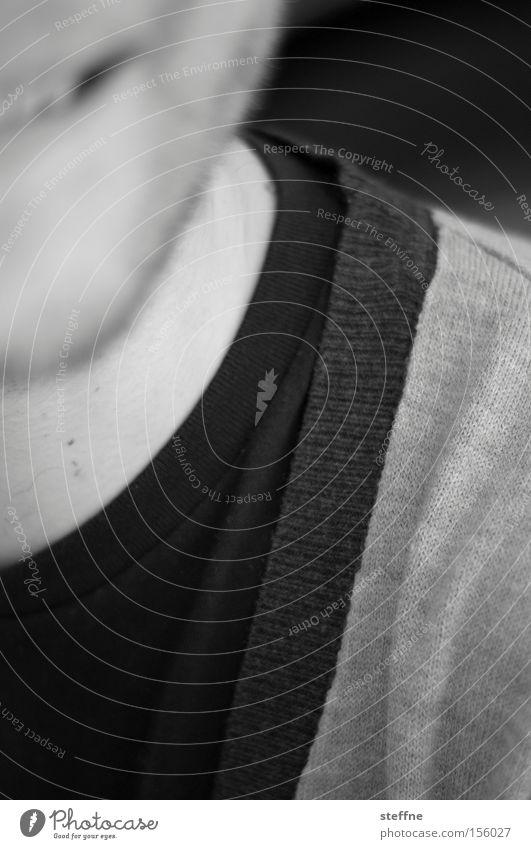 Bitte lächeln! Mann lachen sympathisch Pullover Kragen Freundlichkeit Dreitagebart Zweitagebart schwarz weiß Schwarzweißfoto Freude