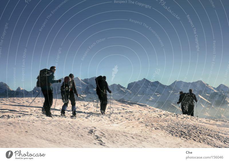 Unterwegs im Nirgendwo III Höhe Abenteuer wandern Nordpol Schweiz Alpen Himmel über den Wolken Sportmannschaft Fernweh Ferne Erholung extrem Frieden Bergsteigen