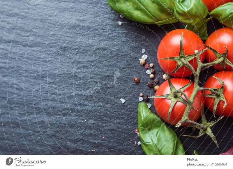 Tomate Basilikum auf Schiefer Lebensmittel Gemüse Salat Salatbeilage Kräuter & Gewürze Ernährung Bioprodukte Vegetarische Ernährung Diät Italienische Küche