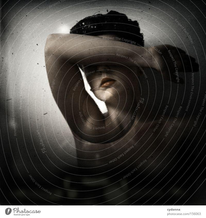 Anonyma Frau Mensch schön Gefühle Mund ästhetisch retro Schutz Hut anonym blind verdeckt Mittelformat zudecken Lichtschacht Handhaltung