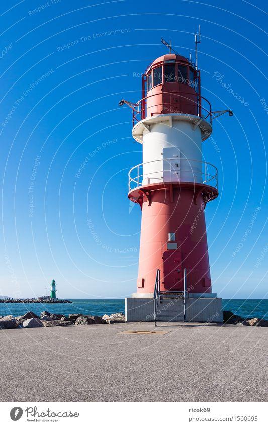 Molentürme in Warnemünde Ferien & Urlaub & Reisen Tourismus Meer Natur Landschaft Wasser Küste Ostsee Turm Leuchtturm Sehenswürdigkeit Wahrzeichen Stein blau