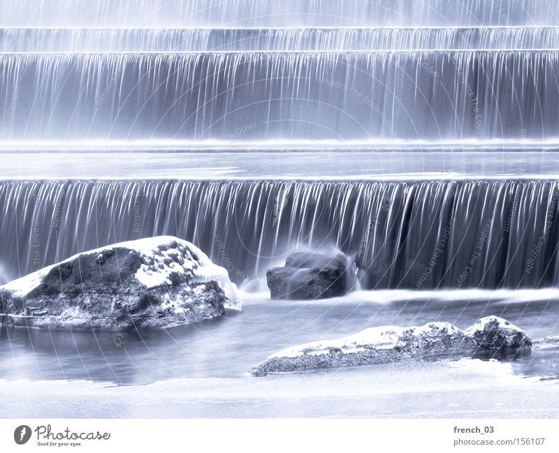 frostige Kälte Winter Schnee Wasser Eis Frost Felsen Fluss Wasserfall Linie frieren kalt weiß Bewegung fließen Höhenunterschied Strömung Schwerkraft Rauschen