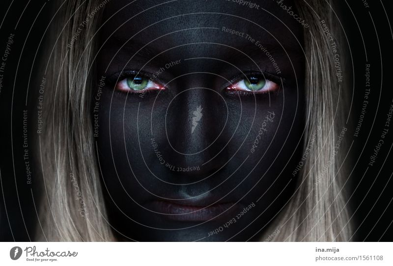 tiefer Schmerz Einsamkeit schwarz Traurigkeit Gefühle Stimmung Angst blond Todesangst Trauer Sehnsucht Stress Gewalt Verzweiflung Sorge Liebeskummer