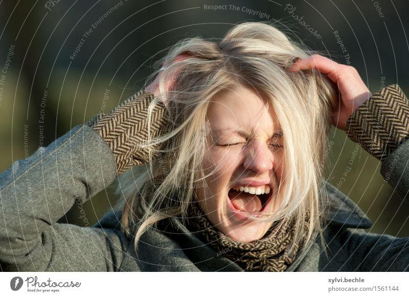 Da wirste doch verrückt! schön Mensch feminin Junge Frau Jugendliche Leben Haare & Frisuren 18-30 Jahre Erwachsene Jacke blond schreien rebellisch Wut Gefühle