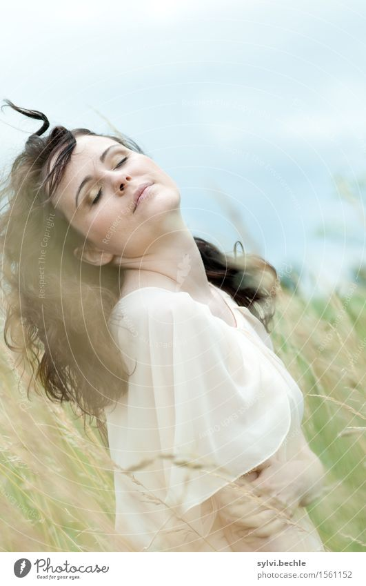 blaumachen - und frei sein schön Wellness Wohlgefühl Zufriedenheit Erholung ruhig Mensch feminin Junge Frau Jugendliche Leben 18-30 Jahre Erwachsene Natur