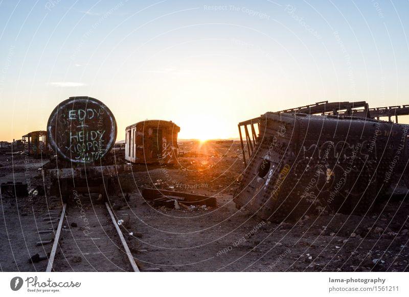 Eddy+Heidy Ausflug Abenteuer Sonnenaufgang Sonnenuntergang Sonnenlicht Salar de Uyuni Bolivien Güterverkehr & Logistik Schienenverkehr Eisenbahn Lokomotive