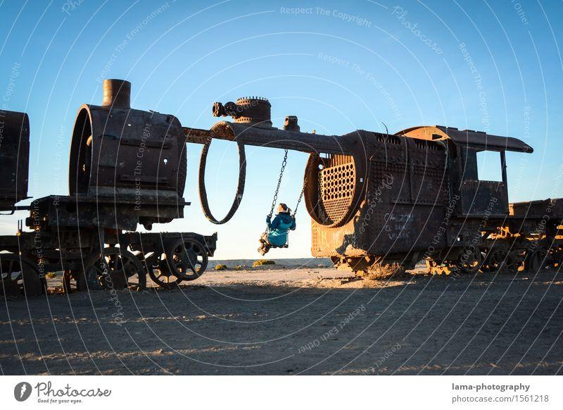 Zurück in die Zukunft II Mensch Ferien & Urlaub & Reisen Jugendliche Junge Frau Erholung Ferne Spielen Freiheit Tourismus Fröhlichkeit Ausflug Eisenbahn