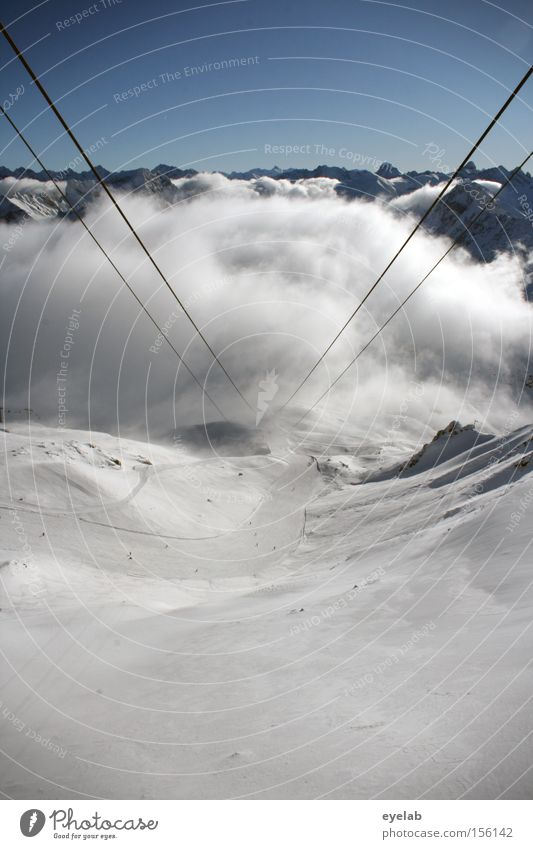 Aufgehängte Wolken Berge u. Gebirge Tal Himmel Felsen Winter Aussicht Ferne monumental erhaben Horizont Gipfel Alpen Schnee