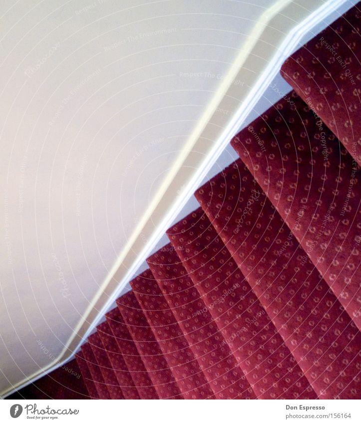 Hotel Stairs rot oben Wege & Pfade hoch Treppe Boden weich Bodenbelag Häusliches Leben unten Etage aufwärts steigen Flur