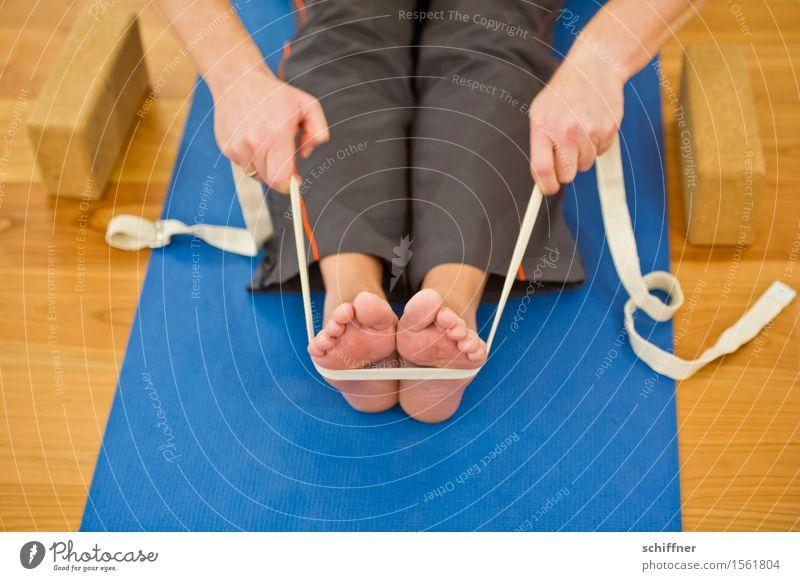 Kratzhilfe | wenn die Fußsohle juckt Mensch Hand Erholung ruhig Sport Gesundheit Beine Gesundheitswesen sitzen Schnur Wohlgefühl harmonisch Meditation Yoga