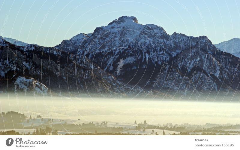 Nebelkönig Ludwig... Natur Himmel Sonne Winter ruhig kalt Schnee Erholung Berge u. Gebirge Glück Landschaft Luft groß authentisch Klima
