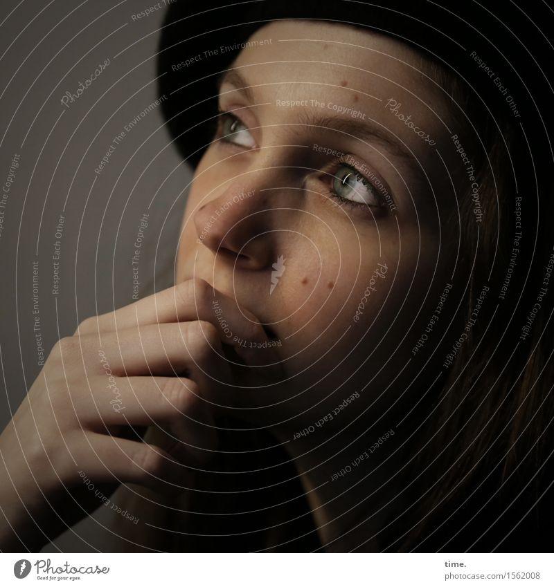 . Mensch schön ruhig Gefühle feminin Denken Zeit Stimmung träumen nachdenklich warten beobachten Neugier Schutz Gelassenheit Leidenschaft