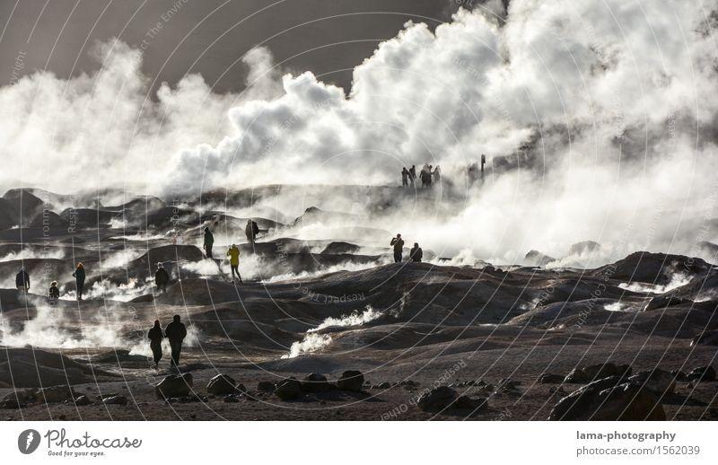 Es brodelt... Mensch Natur Landschaft Tourismus Erde Ausflug Abenteuer Urelemente Rauchen heiß Sightseeing Vulkan Wasserdampf Chile Südamerika Naturphänomene