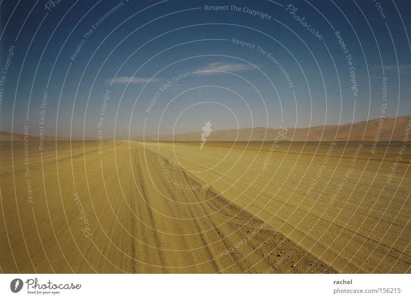 Irgendwo ist immer Sommer Ferien & Urlaub & Reisen Abenteuer Ferne Freiheit Safari Expedition Landschaft Erde Sand Himmel Wolken Horizont Dürre Wüste Düne