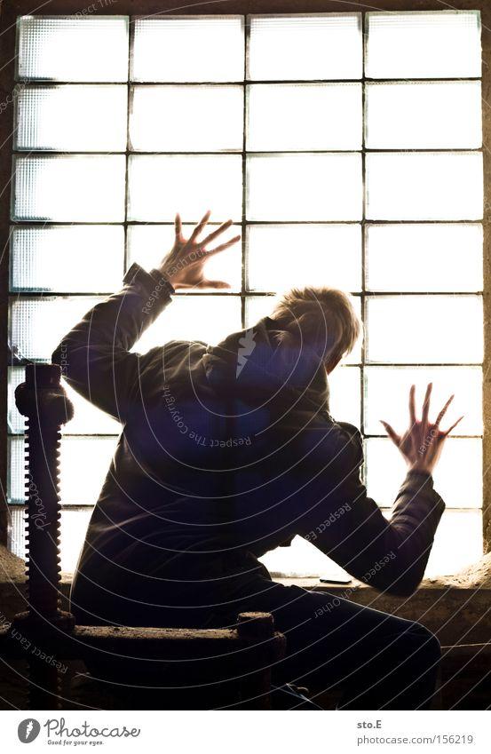 let me out Mensch Fenster Glas Fensterscheibe verfallen schäbig dreckig Gitter Quader gefangen Justizvollzugsanstalt Licht Silhouette Angst Panik Einsamkeit