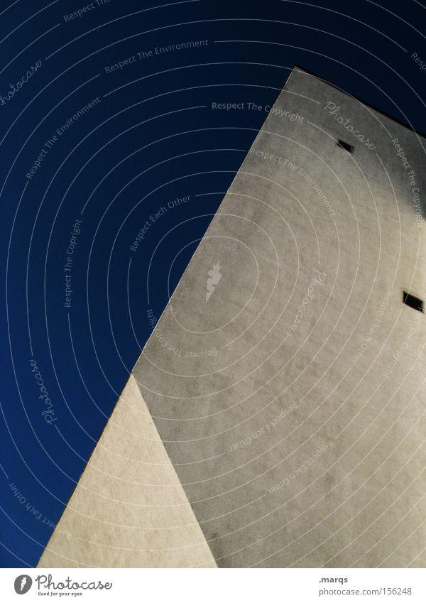 Zwo Himmel blau Haus Fenster Architektur Stil Gebäude Linie Arbeit & Erwerbstätigkeit Fassade elegant hoch Design außergewöhnlich ästhetisch Häusliches Leben