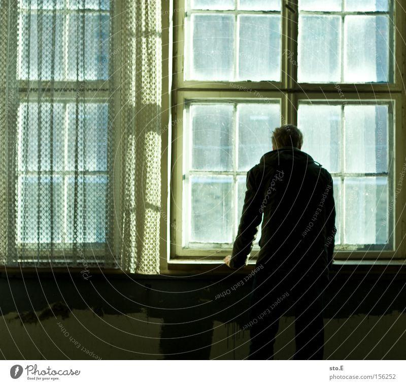 the opposite pt.2 Mensch Einsamkeit Fenster Angst dreckig Glas Aussicht beobachten verfallen schäbig Vorhang Fensterscheibe Panik Scheibe gegenüber