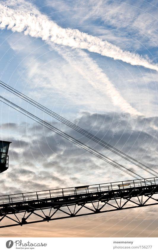 Himmel über Waltrop Wolken Herbst Industrie Industriefotografie Kran durcheinander Kondensstreifen
