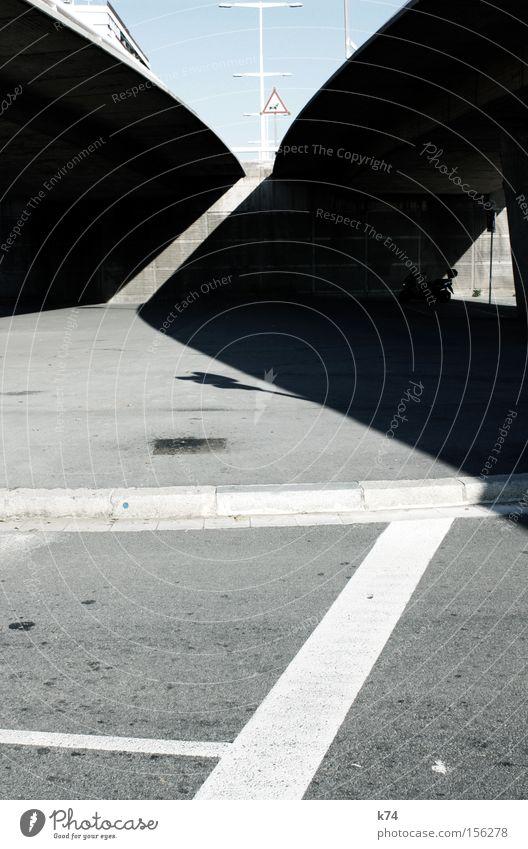 bridge shadows Straße Architektur Verkehr Brücke Verkehrswege Geometrie