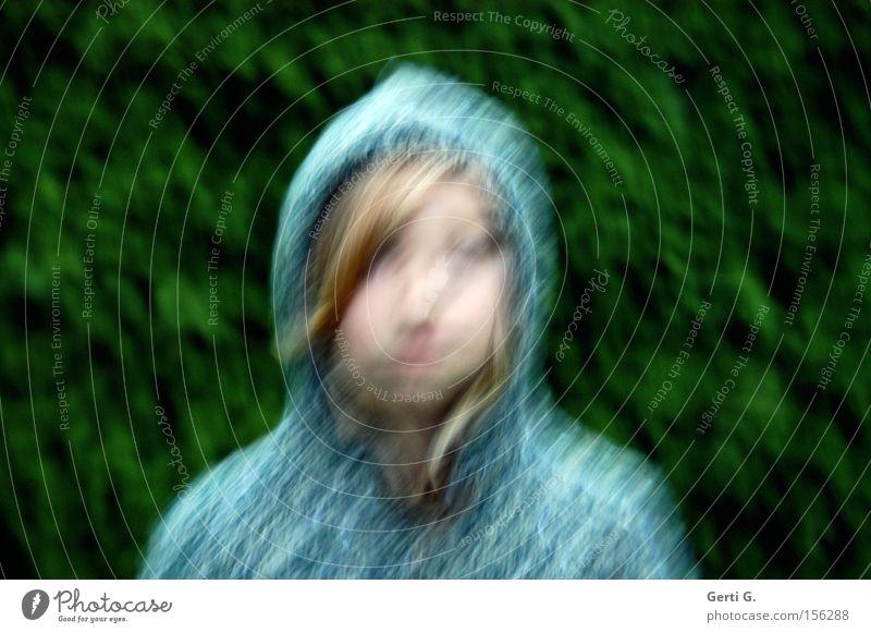 bemused Kind Mädchen grün blau Gesicht Gefühle Haare & Frisuren Traurigkeit blond Wind verrückt Tanne durcheinander Kapuze Verzerrung