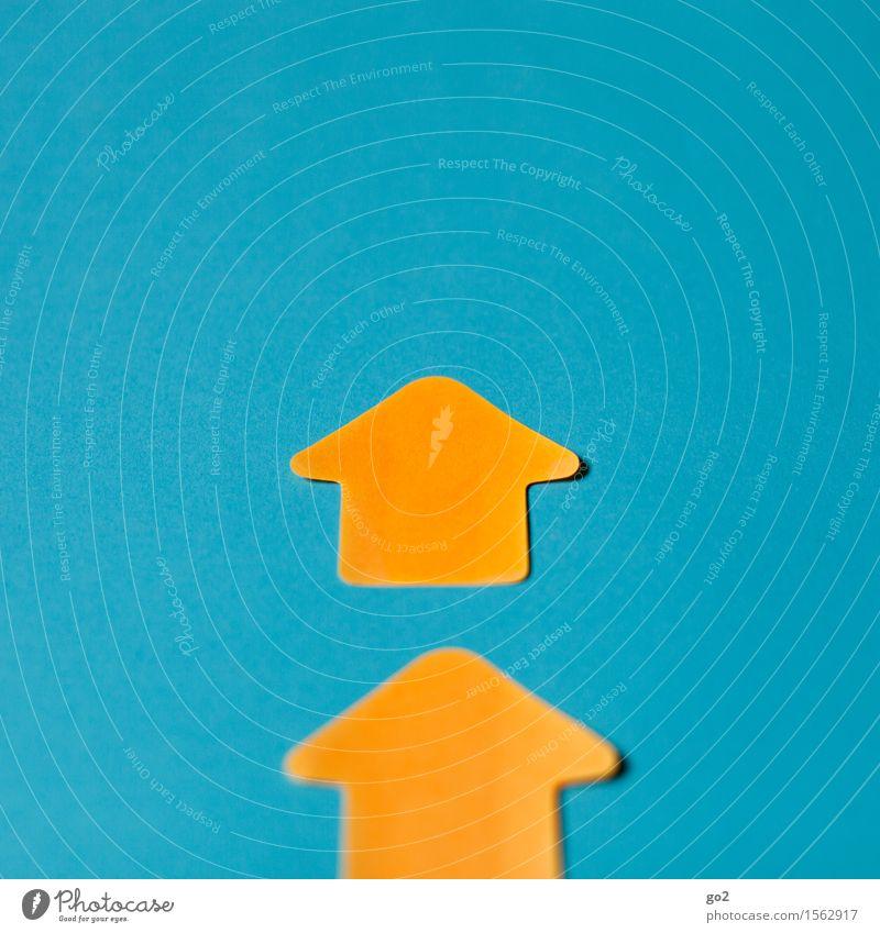 Aufwärts Business Karriere Erfolg Zeichen Schilder & Markierungen Hinweisschild Warnschild Pfeil Unendlichkeit positiv blau gelb orange türkis Optimismus Kraft