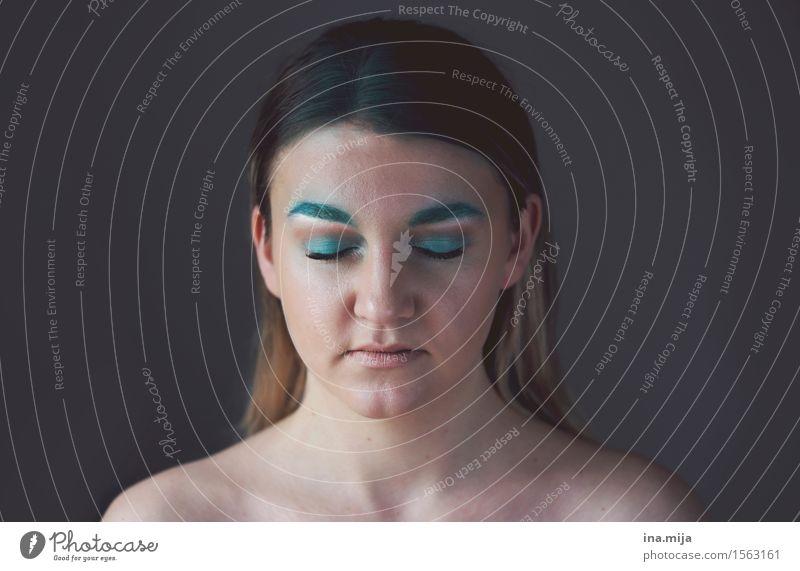 _ Kosmetik Schminke Mensch feminin Junge Frau Jugendliche Leben 1 18-30 Jahre Erwachsene Künstler Maler Schauspieler fantastisch frei hässlich blau Kunst Scham