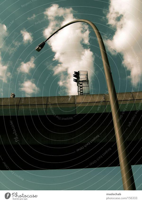 URBANLOVE XXIV Laterne Brücke Himmel Wolken Niveau Höhe Größe Perspektive Architektur Macht Wachstum Schutz Umarmen Beton außergewöhnlich