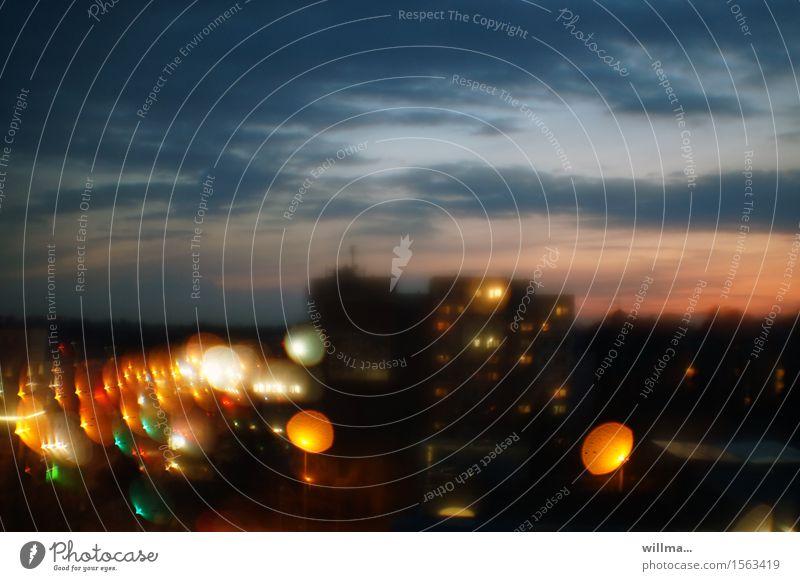 Lichter in der Stadt Lichtermeer leuchten Irritation Drogensucht träumen Lichtspiel Stadtlichter Lichtkreis Lichterkullern Nachtleben Illusion Beleuchtung