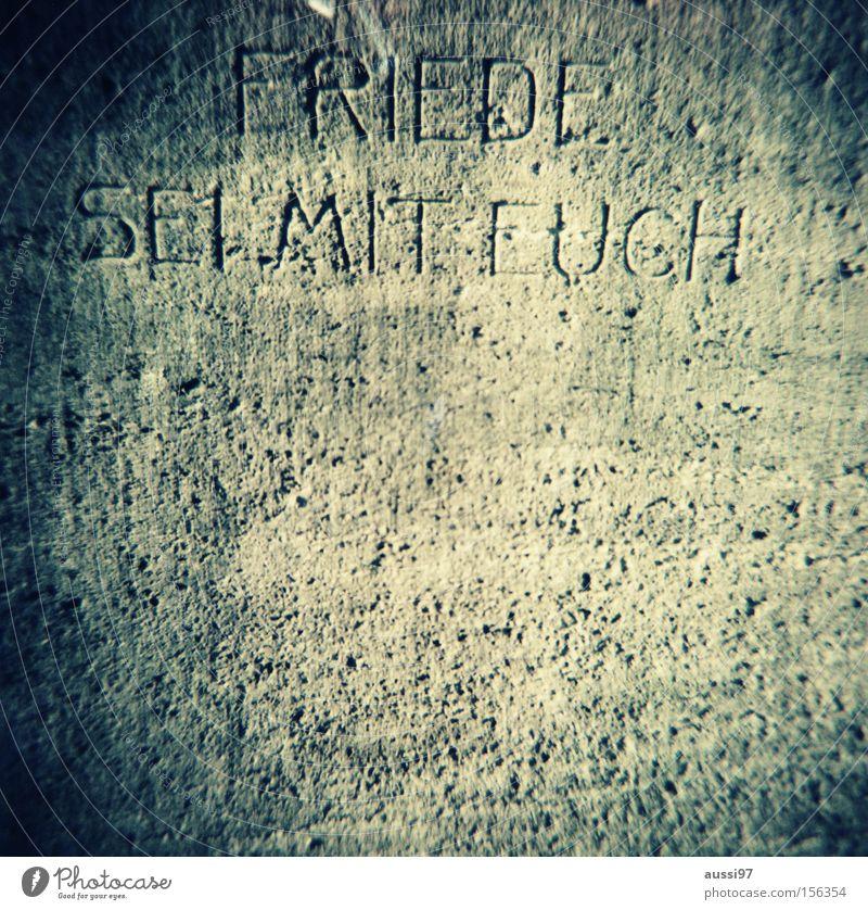 Father Mckenzie Tod Religion & Glaube Trauer Frieden Verzweiflung Gott Friedhof Beerdigung Mittelformat Grabstein Rollfilm