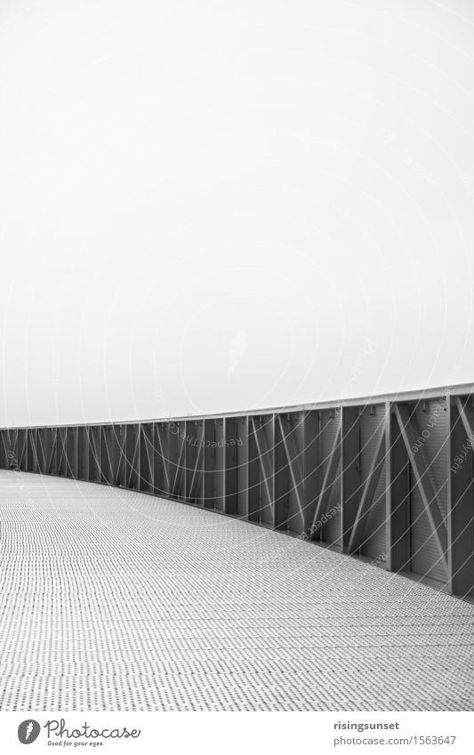 Energieberg weiß Einsamkeit ruhig schwarz kalt Architektur Gefühle Stil grau Stimmung gehen Metall Design wandern modern ästhetisch