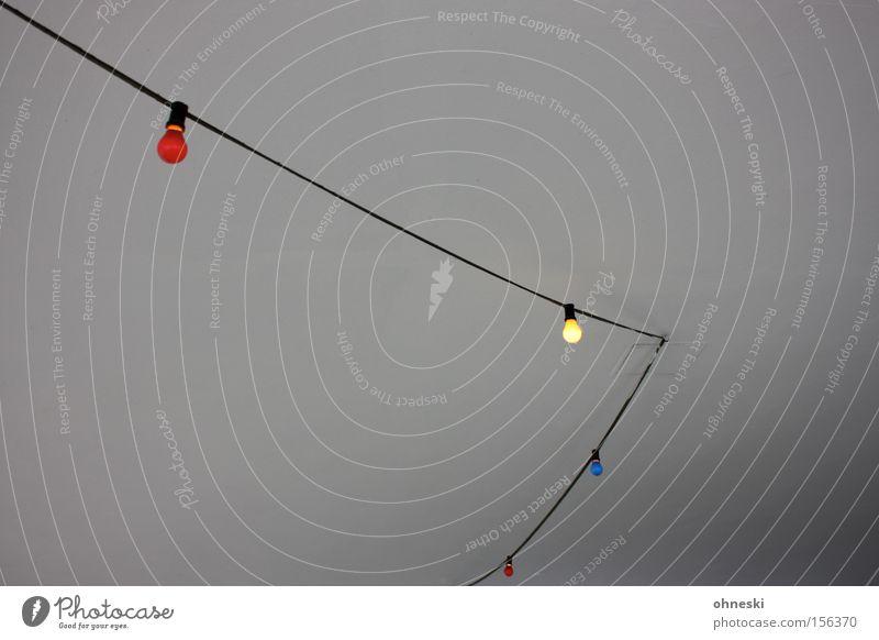 Partybeleuchtung Glühbirne Licht mehrfarbig grün rot blau Decke Kabel Elektrizität Club Elektrisches Gerät Technik & Technologie