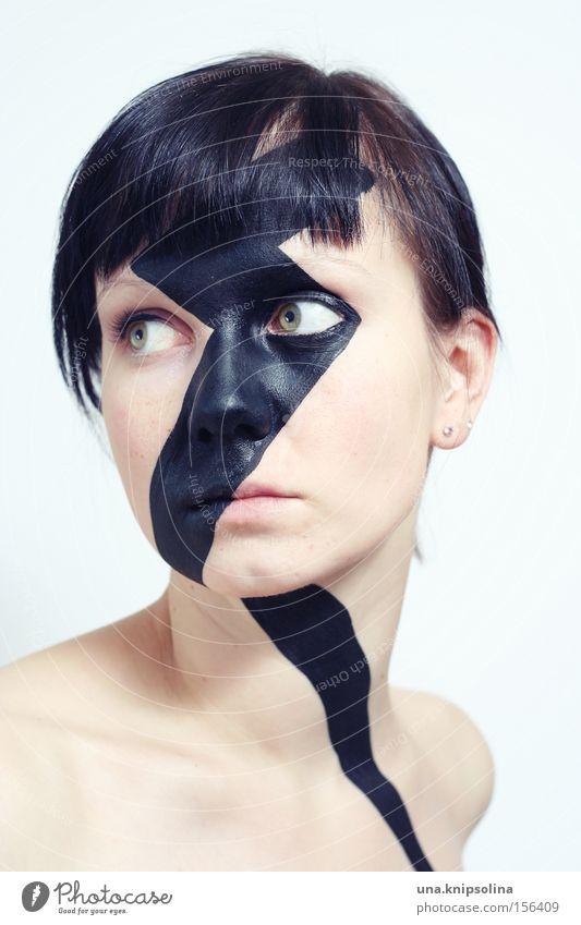 kiss-revival Mensch Frau Farbe schwarz Erwachsene Farbstoff nachdenklich Maske Blitze Schminke trendy abwärts ernst Krise rechts Porträt