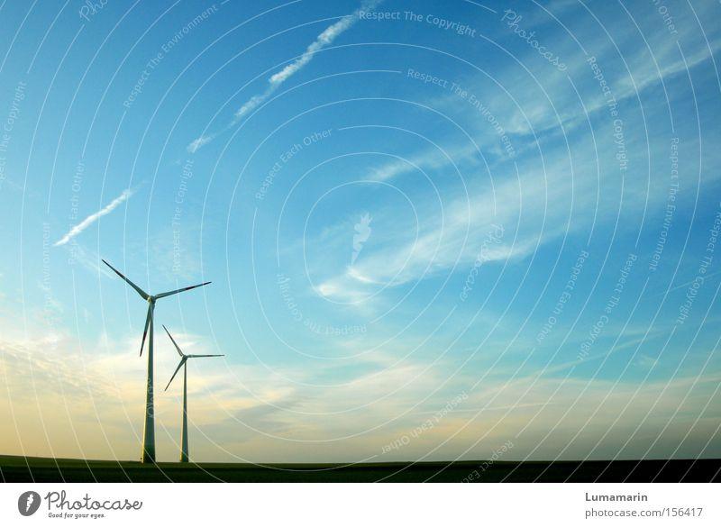 Luftströme Himmel Wolken Ferne Wind groß Horizont Kraft Industrie Energiewirtschaft Elektrizität Technik & Technologie Windkraftanlage Ebene Erneuerbare Energie