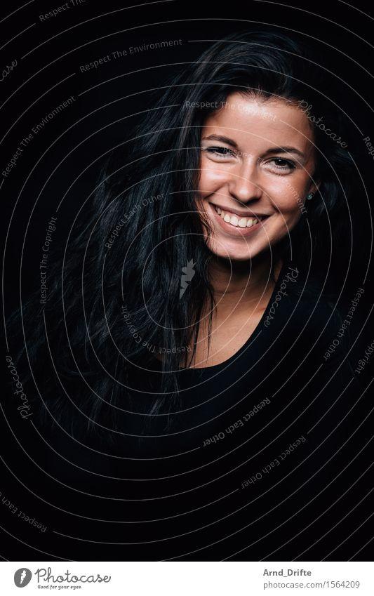 M. Mensch Frau Jugendliche schön Junge Frau Freude schwarz Gesicht Erwachsene Leben Gefühle feminin Gesundheit lachen Glück Haare & Frisuren