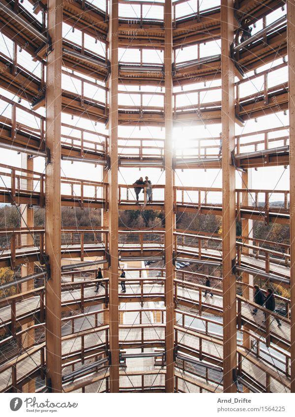 Turm Ausflug Abenteuer Sightseeing Mensch Frau Erwachsene Himmel Sonne Schönes Wetter Wald Bauwerk Gebäude Architektur Sehenswürdigkeit panarbora stehen eckig