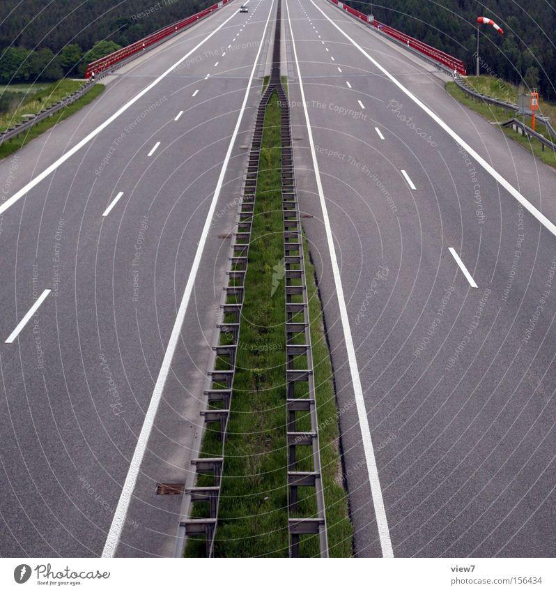 Mittelstreifen Straße Autobahn Wege & Pfade Spuren Verkehr Teer Straßenbelag Belag Beton Güterverkehr & Logistik Linie Schilder & Markierungen Schnellstraße