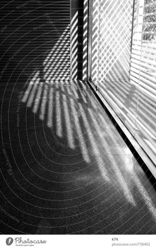 window shadows Fenster Architektur Streifen Pfeil Dreieck Lichteinfall