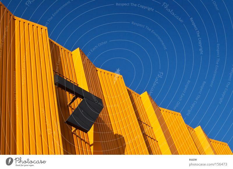 Schräge 7 Himmel blau schön schwarz Architektur Glück Stil Linie Metall orange Lifestyle Design Perspektive einfach Streifen einzigartig