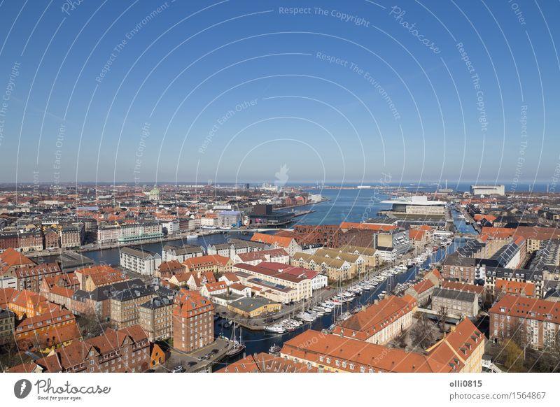 Kopenhagen Skyline Blick von Vor Frelsers Kirche Ferien & Urlaub & Reisen Tourismus Sightseeing Kleinstadt Stadt Hafen Fluggerät Dänemark Europa Kanal Stadtbild
