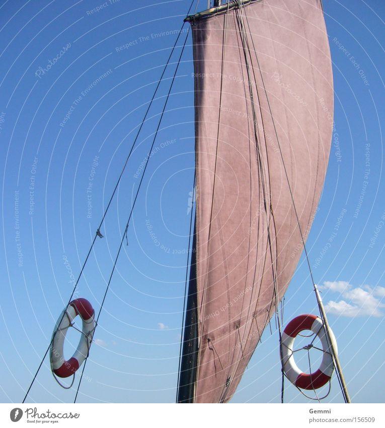 Fernweh Wasser Meer Ferien & Urlaub & Reisen ruhig Erholung See Wasserfahrzeug Wellen Segeln Ostsee Wassersport Segelschiff Rettungsring 100 Meter Lauf