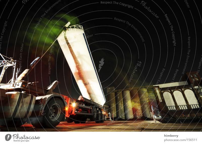 toxic romance Industrie gefährlich Industriefotografie Lastwagen Gas Gift Recycling Tank Silo entsorgen Industrielandschaft Tankwagen Giftgas