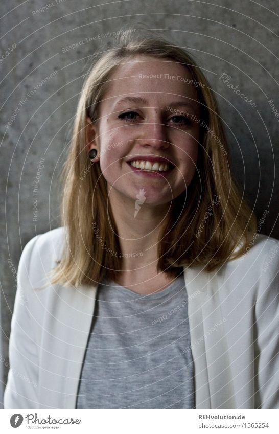 Alexa | Betonporträt Mensch Jugendliche schön Junge Frau Freude 18-30 Jahre Gesicht Erwachsene feminin Glück Business grau Haare & Frisuren Zufriedenheit modern