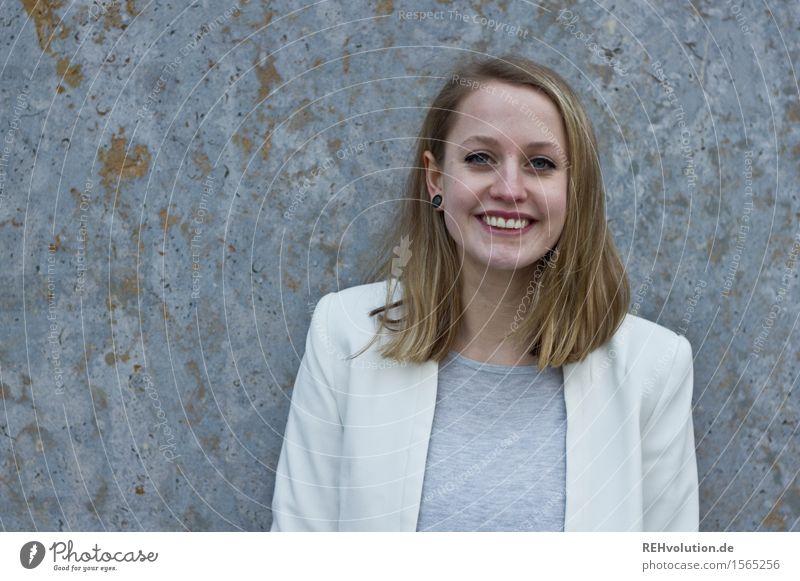 Alexa offensiv freundlich Mensch Frau Jugendliche schön Junge Frau Freude 18-30 Jahre Erwachsene feminin lachen Glück Business Zufriedenheit blond authentisch