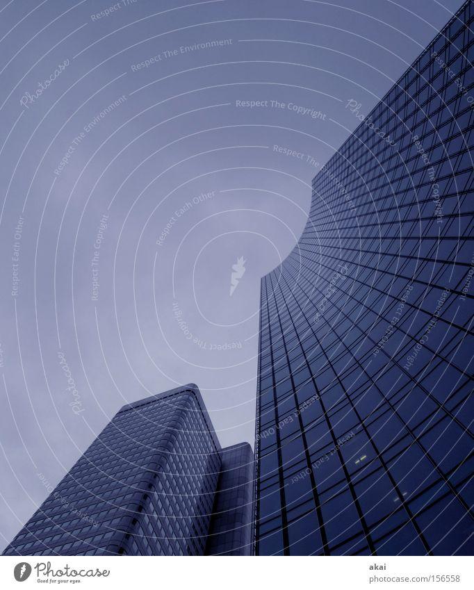 Kritischer Zustand Himmel Stadt Haus Gebäude Glas Beton Perspektive Bankgebäude Baustelle Geldinstitut Dienstleistungsgewerbe Frankfurt am Main Bürogebäude Finanzkrise