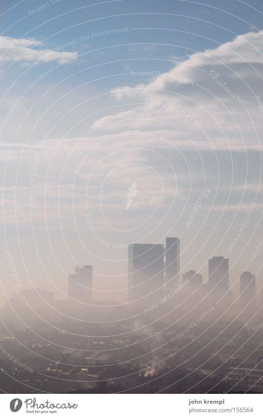 wiener blunst Wien Nebel Smog Morgendämmerung Hochhaus Skyline Wolken Himmel Traurigkeit