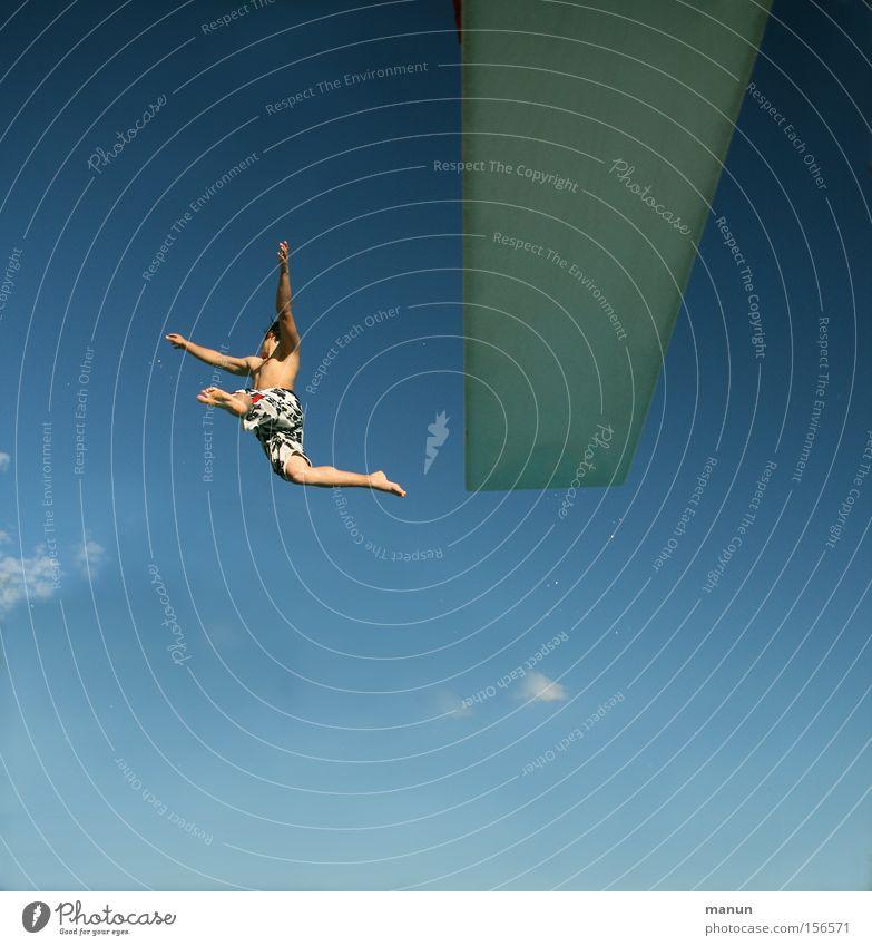 Was kostet die Welt! Jugendliche Mann Lebensfreude Bewegung springen Freiheit Glück Gesundheit Mut Erfolg Freude Unbekümmertheit Sommer Risiko