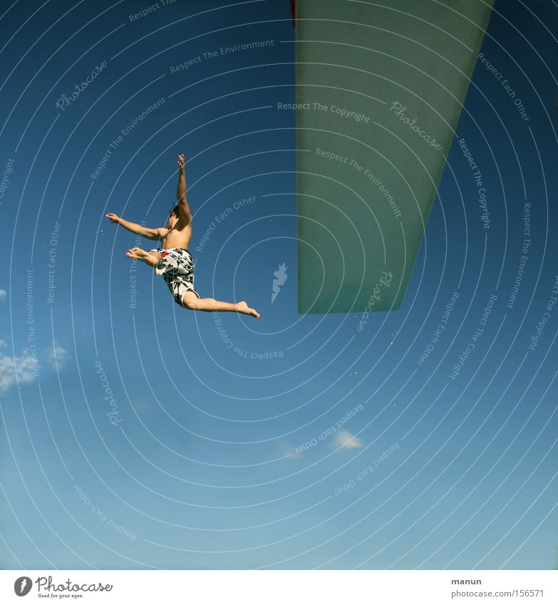 Was kostet die Welt! Mann Jugendliche Sommer Freude Freiheit springen Glück Bewegung Gesundheit Erfolg Mut Lebensfreude Risiko Unbekümmertheit